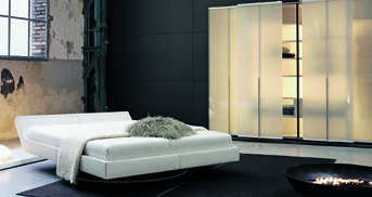Feng Shui Bedroom with Team by Wellis Furniture Schlafzimmer