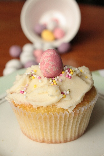 Vanille Oster-Cupcakes