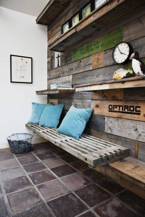 Wall decoration made from pallet sides