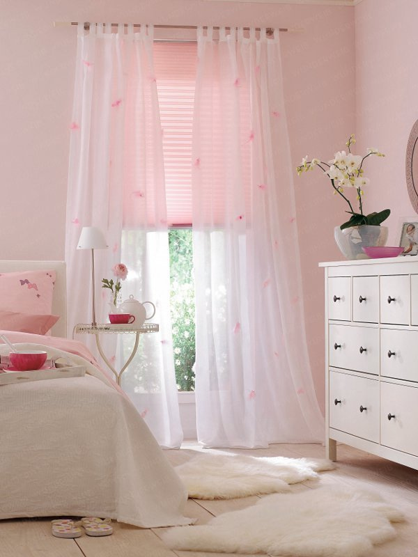 transparenz zimmer in rosa aequivalere. Black Bedroom Furniture Sets. Home Design Ideas