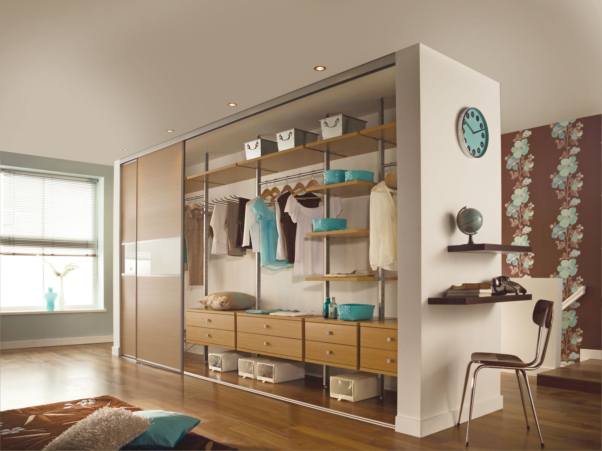 garderobe kleiderschrank inneneinrichtung ohne t ren aequivalere. Black Bedroom Furniture Sets. Home Design Ideas