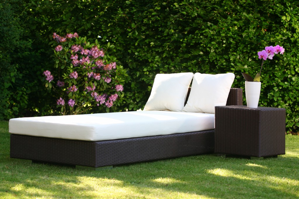 gartenm bel aus rattan und polyrattan aequivalere. Black Bedroom Furniture Sets. Home Design Ideas