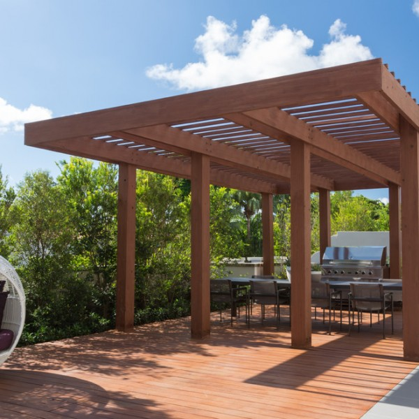 South Miami Townhouse-pergola holz