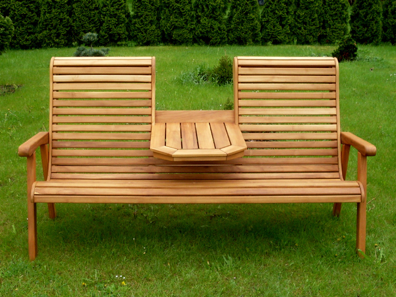 gartenbank holz mit integriertem tisch. Black Bedroom Furniture Sets. Home Design Ideas