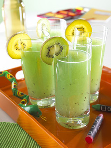 Traubensaft-Kiwi-Drink-Mixer Smoothies