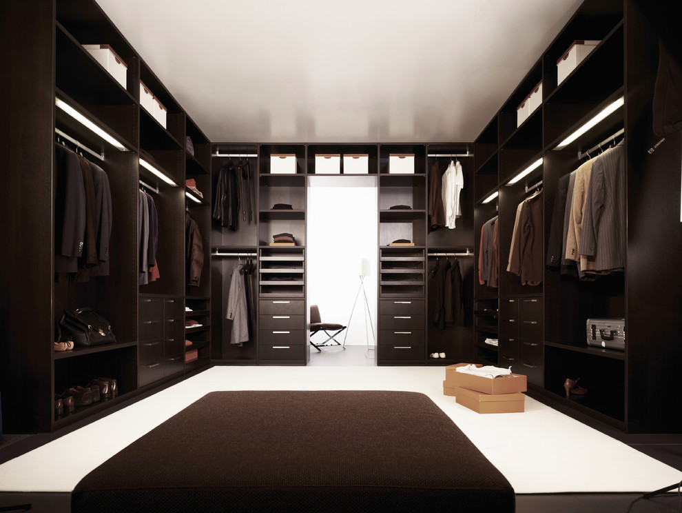 kleiderschrank systeme eichenholz aequivalere. Black Bedroom Furniture Sets. Home Design Ideas